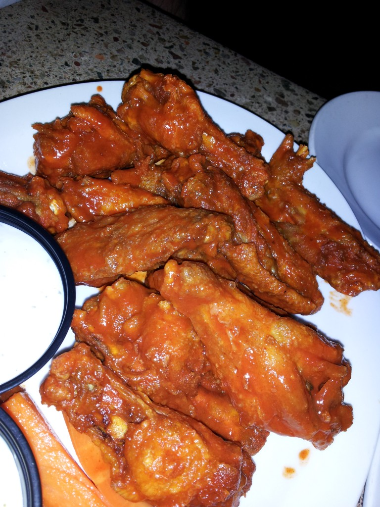 Teakwoods hot wings